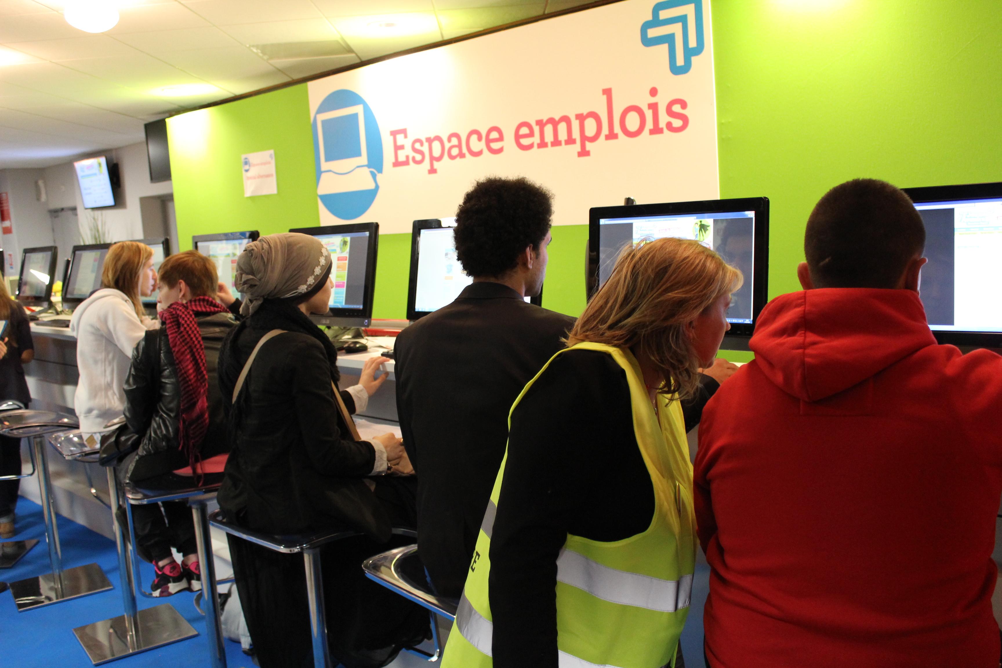 Espace emploi npdc 2 salon jeunes d 39 avenirs for Emploi espace